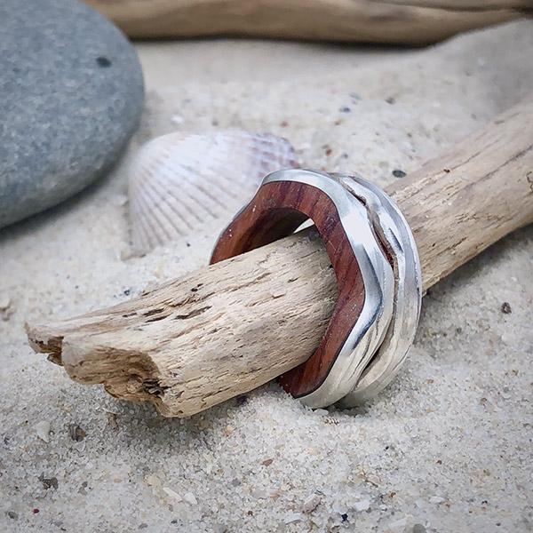 Silberring mit Holz Wellenform